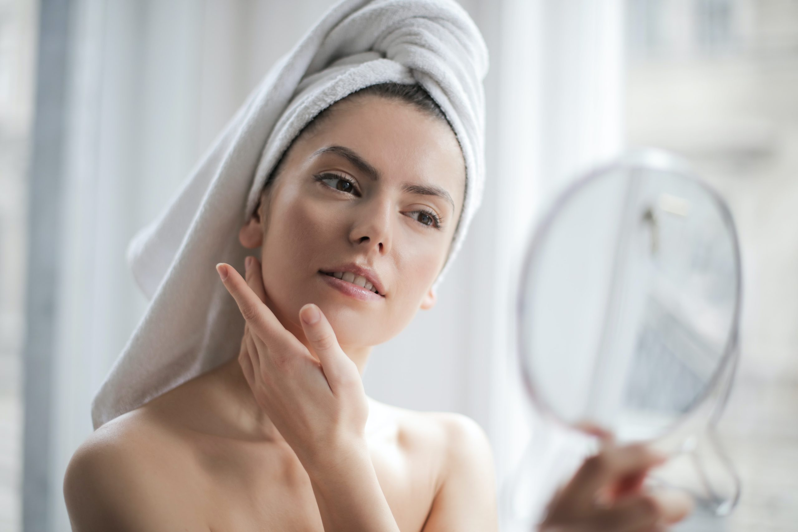Balancing Oil Production Naturally With CBD-Infused Skin Care